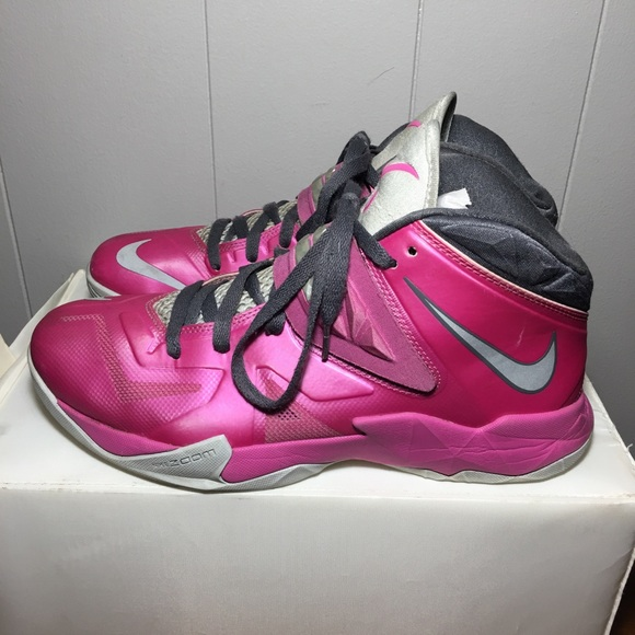 "more photos 83395 a597b Nike Zoom Soldier 7 VII Lebron ""Think Pink "" (bca).  M 5a52bb8a1dffda94ae004327"